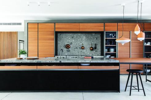 מטבחי דאדא. מפגן יצירתי של חומרים ומקומות אחסון מודלאריים