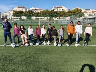 אחת מקבוצות הכדורגל לבנות שנפתחו