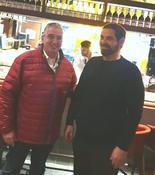 מימין יובל בולגרף מנהל ג'ויה רעננה וראש עיריית רעננה חיים ברוידא