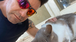 חבר המועצה מי און עם חתול רחוב