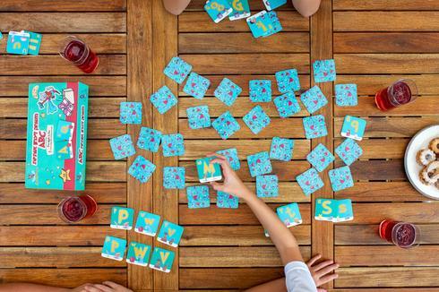 קאטס אנ'בוקסז משחקי קופסא ללמידת אנגלית