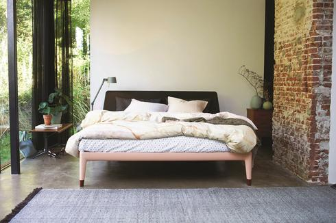 גם חדר המיטות מתחשב: מיטה אקולוגית פרי פיתוח של חברת הולנדיה. להשיג בדן דיזיין סנטר.