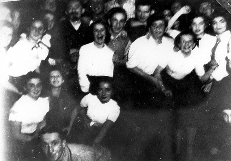 """חברי תנועת """"הנוער הציוני"""", סוסנובייץ, פולין, 1937"""