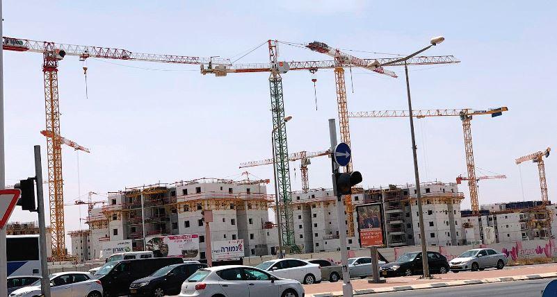 """אתר בנייה בנגב. """"הקבלנים לא יכולים להשפיע לבדם"""""""