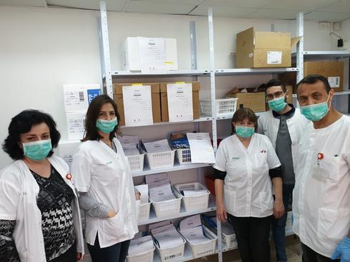 צוות בית מרקחת במרפאת כללית עומר