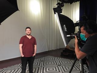 משה בוינג'ו, תושב חדרה ובוגר האקדמית עמק יזרעאל בצילומים לקמפיין שילוט חוצות וקמפיין דיגיטלי ללימודים באקדמית עמק יזרעאל
