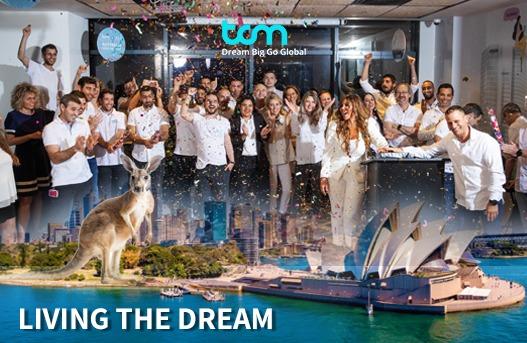 צוות TCM חוגג את החתימה על הסכם ההנפקה - בבורסה האוסטרלית (ASX)