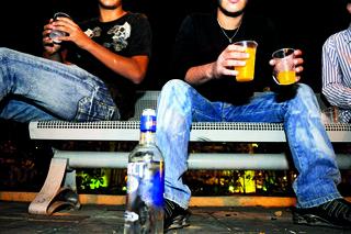 בני נוער ברחובות