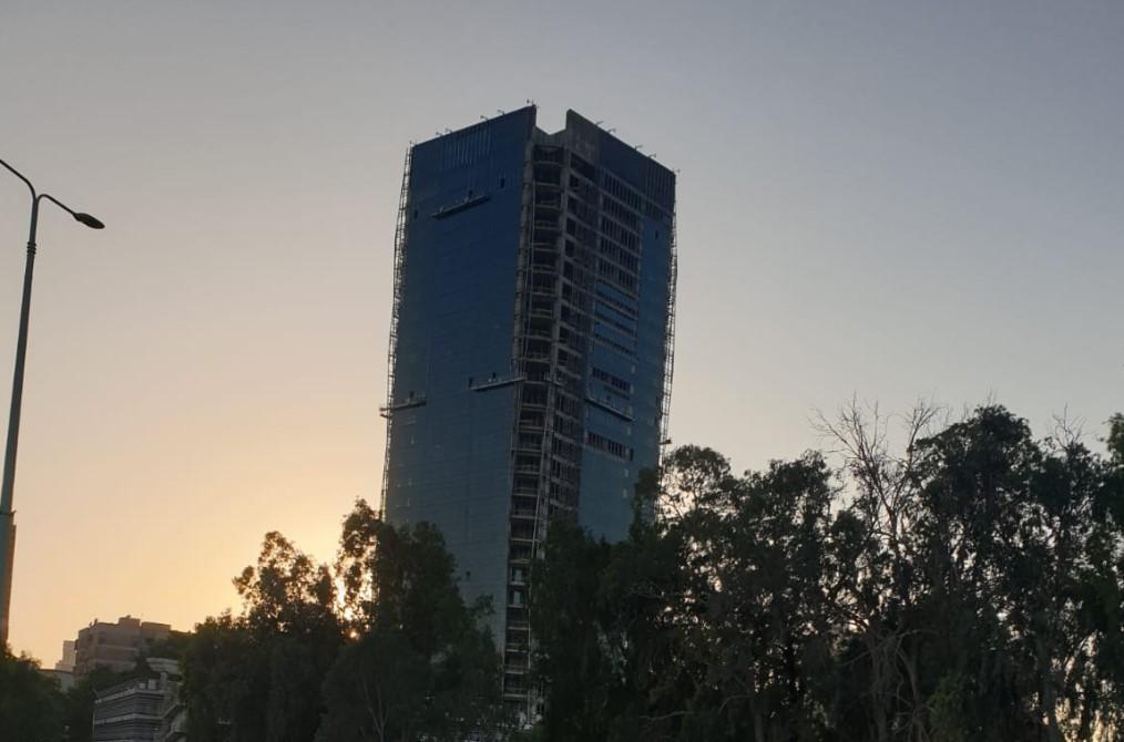 המגדל החדש הולך ונבנה