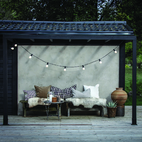 תאורת חוץ מחוללת אווירה למרפסת, כלי אור, רמת השרון