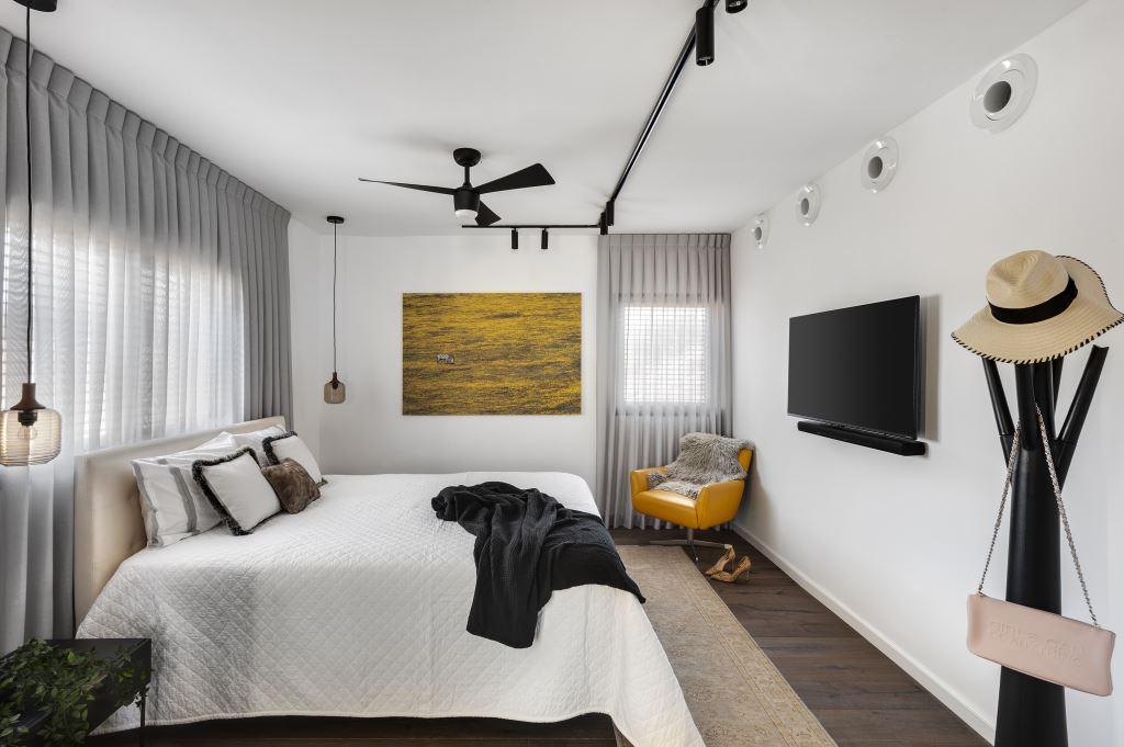חדר השינה נקי ומסוגנן