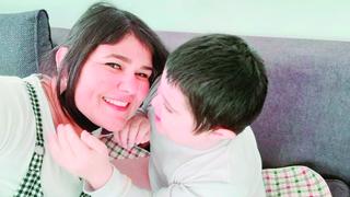אורי עם אמו פאני