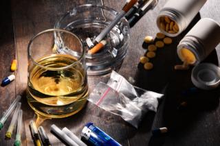התמכרות לאלכוהול וסמים