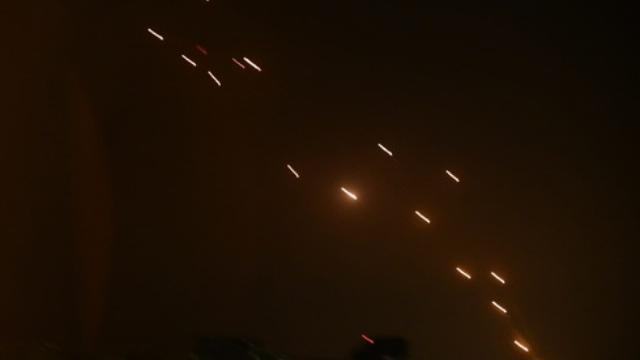 מתקפת טילים מעל העיר