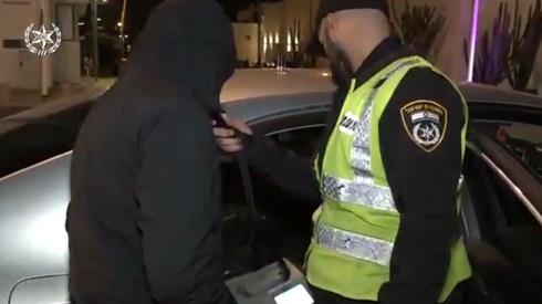 תפיסה של נהג פעילות אכיפה משטרת התנועה