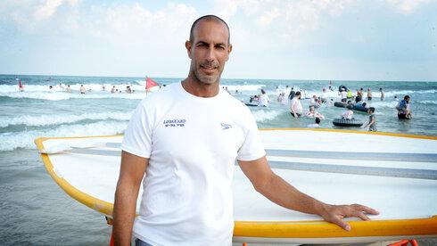 יניר סבג, מציל החוף הנפרד