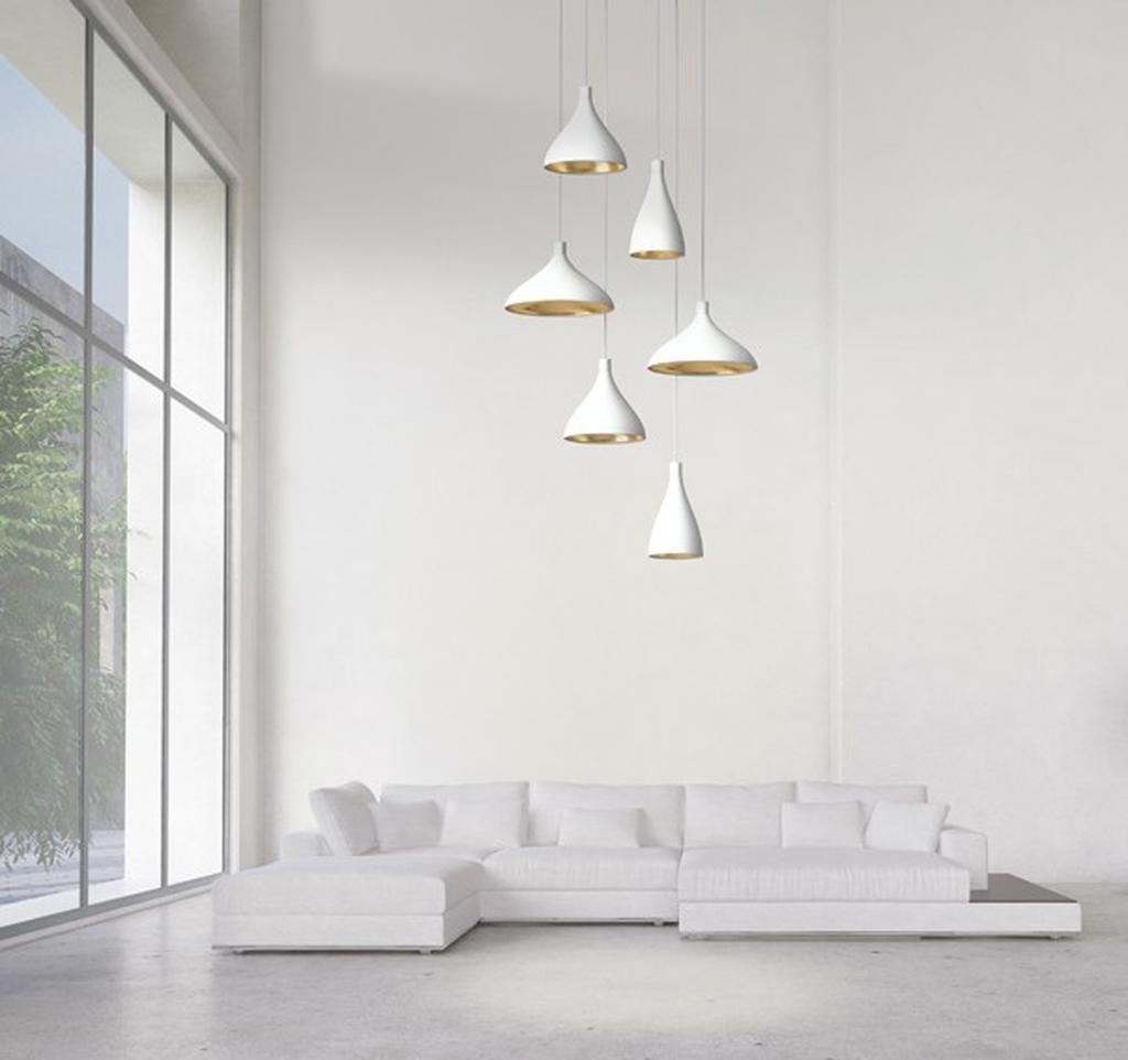 גופי תאורה במשחקי גבהים לבן על לבן. כלי אור, רמת השרון
