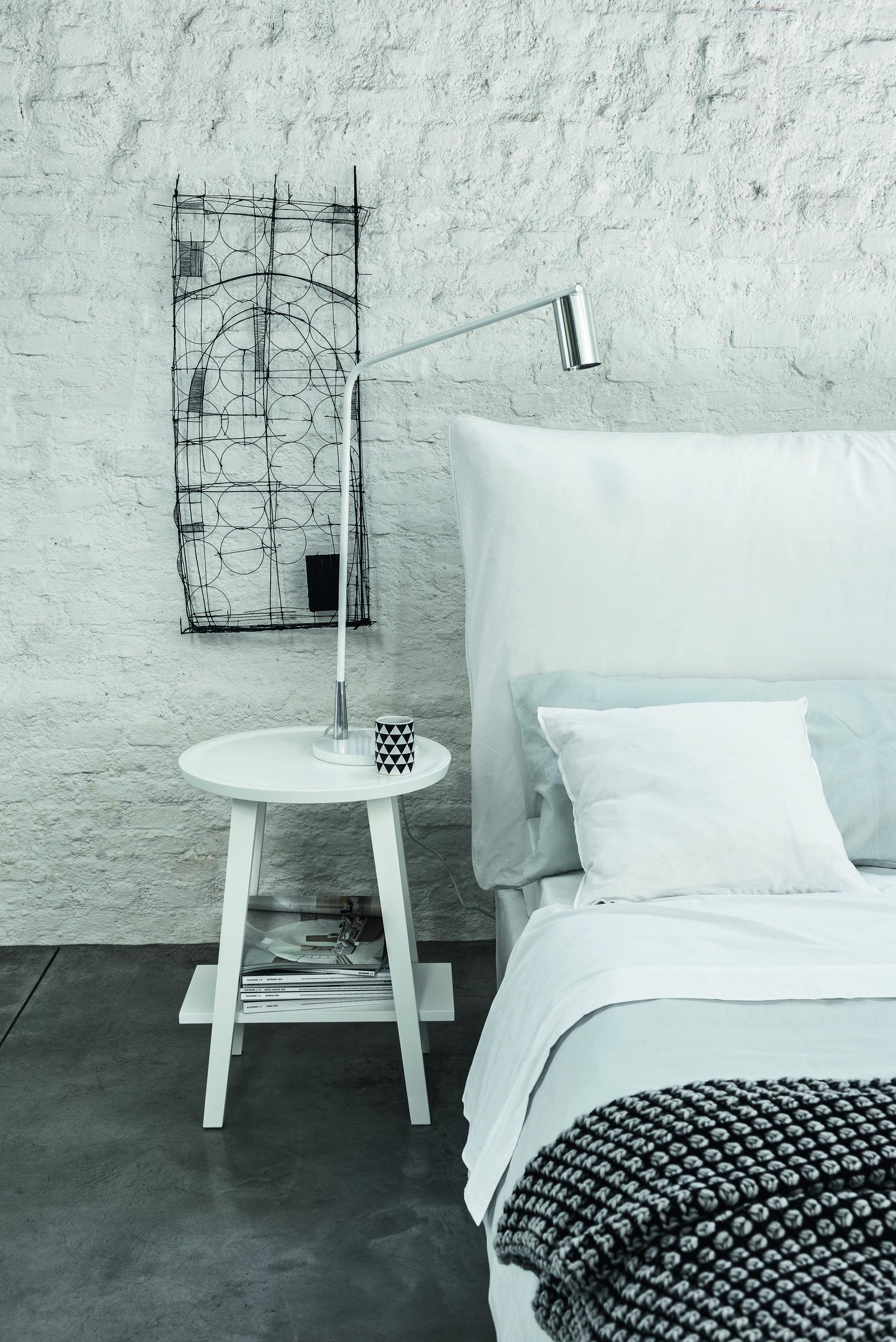 חדר שינה בעיצוב פאולה נבונה למותג האיטלקי letti&co . בפנטהאוז רהיטים