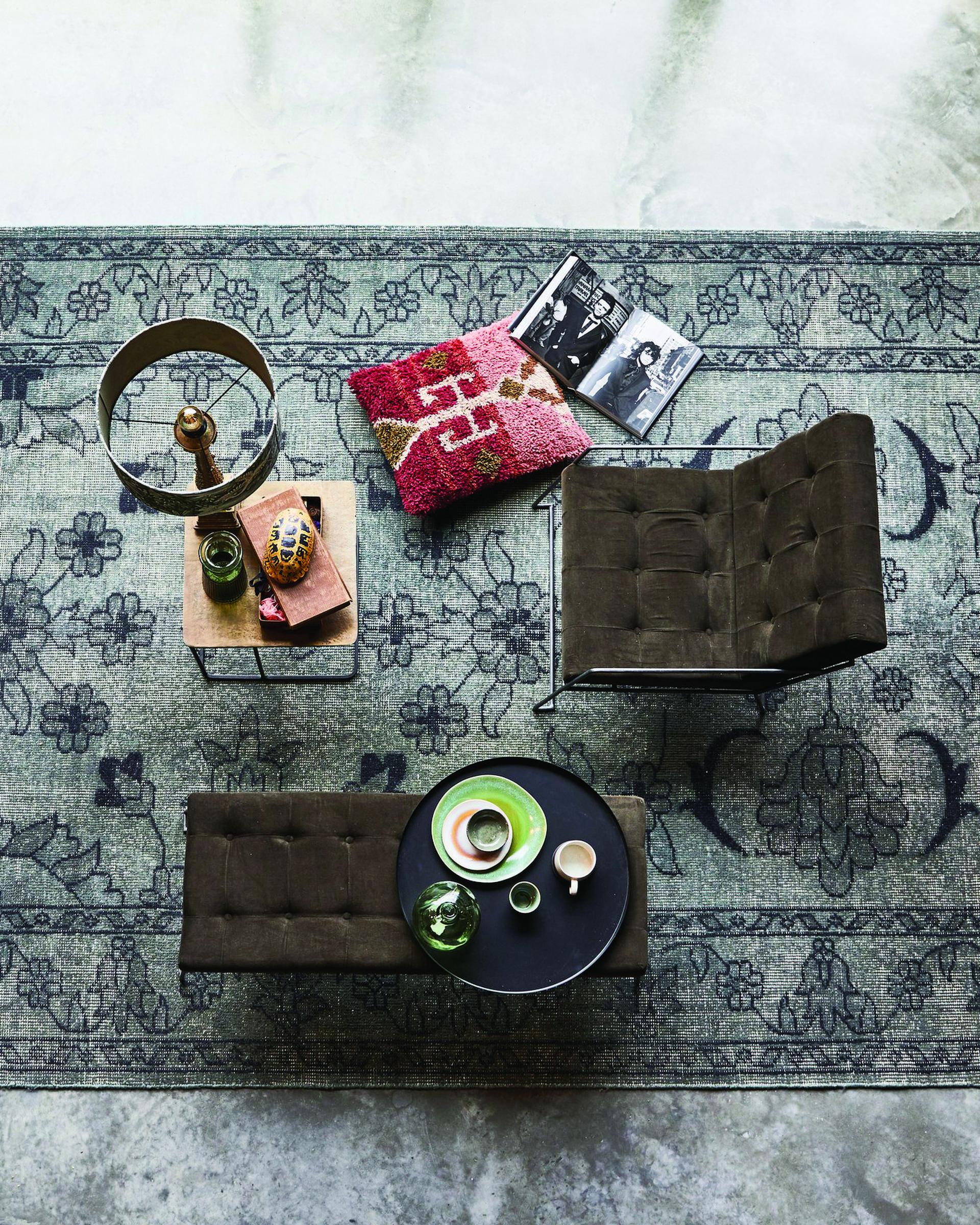 שטיח צמר בעבודת יד  גלוריה מונדי, רח' אחוזת בית 1, תל אביב