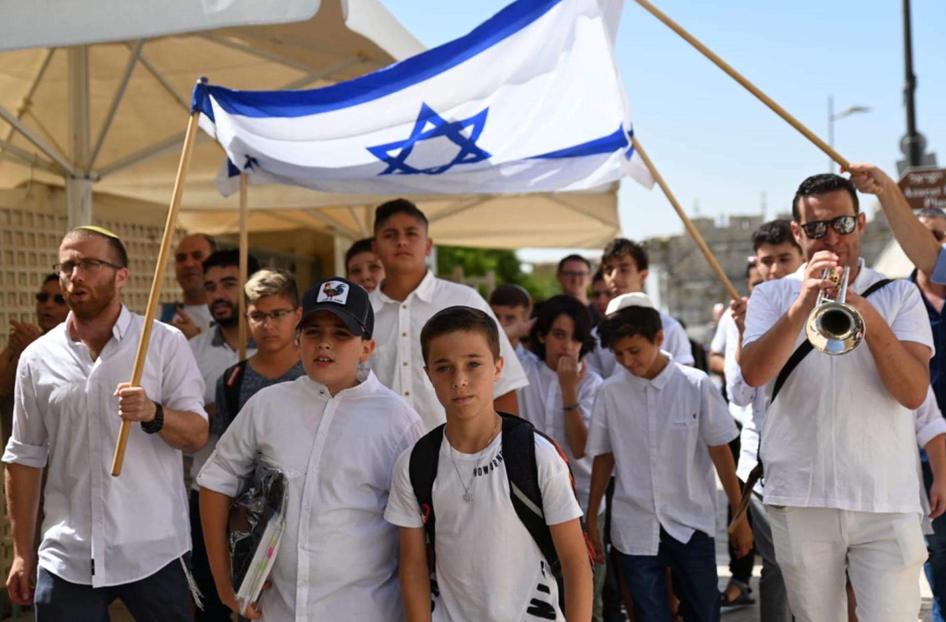סיום בני מצווה במודיעין    צילום: זוסמנוביץ'