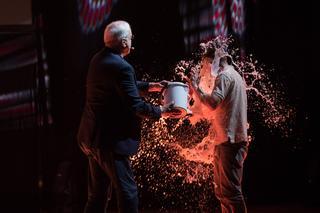ג'ון קליז בהופעה. צילום: חיים יפים ברבלט